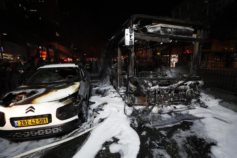Sirene u Tel Avivu, Hamas ispalio 130 raketa na grad 2