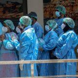 Policija u Indiji pronašla tela na obali reke Gang, sumnja se da su žrtve kovida-19 11