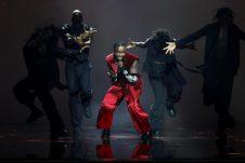 Poznati prvi finalisti Evrovizije, bez poštovanja mera u publici (VIDEO, FOTO) 13