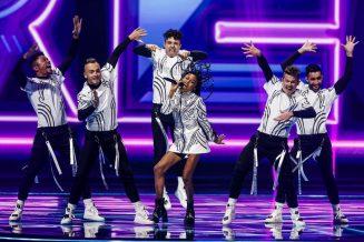 Poznati prvi finalisti Evrovizije, bez poštovanja mera u publici (VIDEO, FOTO) 6