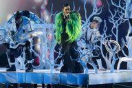Poznati prvi finalisti Evrovizije, bez poštovanja mera u publici (VIDEO, FOTO) 3