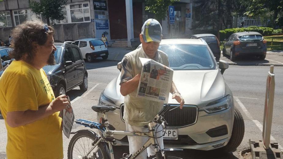 Novinari i urednici Danasa delili rođendanski broj na ulicama više gradova (FOTO) 29