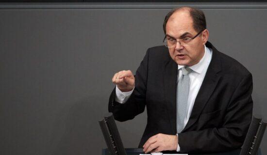 Šmit oštro osudio poslednje poteze vlasti u Banjaluci: Ljudi ispaštaju zbog politike 7