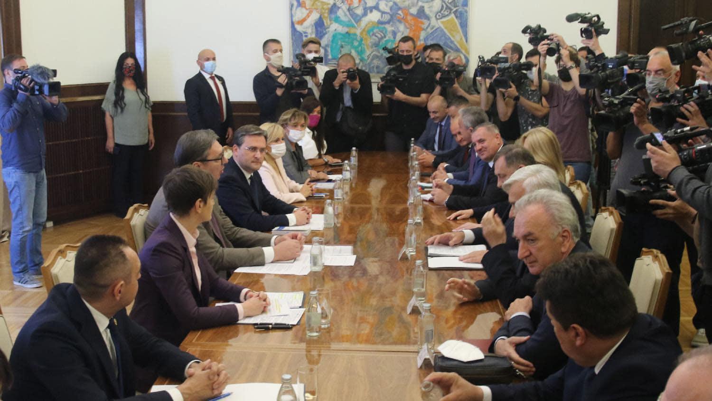 Popov: Srbija neće ulaziti u klinč sa međunarodnom zajednicom 1