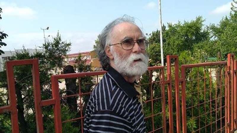 Niški penzioner šalje Vučiću zarđale kašike 1