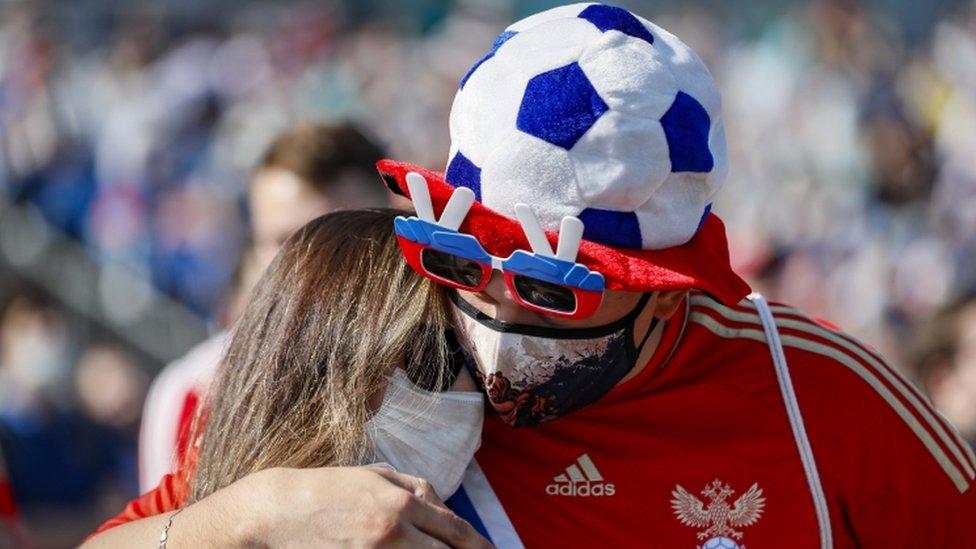 Korona virus, Rusija, EURO 2020 u fudbalu: Zabrinjavajući skok broja zaraženih ohladio rusku fudbalsku groznicu 15