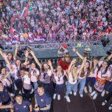 Aplauzi i ovacije za srpske košarkašice na dočeku ispred Starog dvora (FOTO) 15