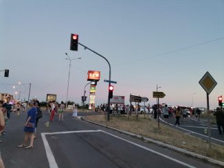 Citizens blocked the intersection in Mladenovac, sent requests to the authorities (VIDEO) 2