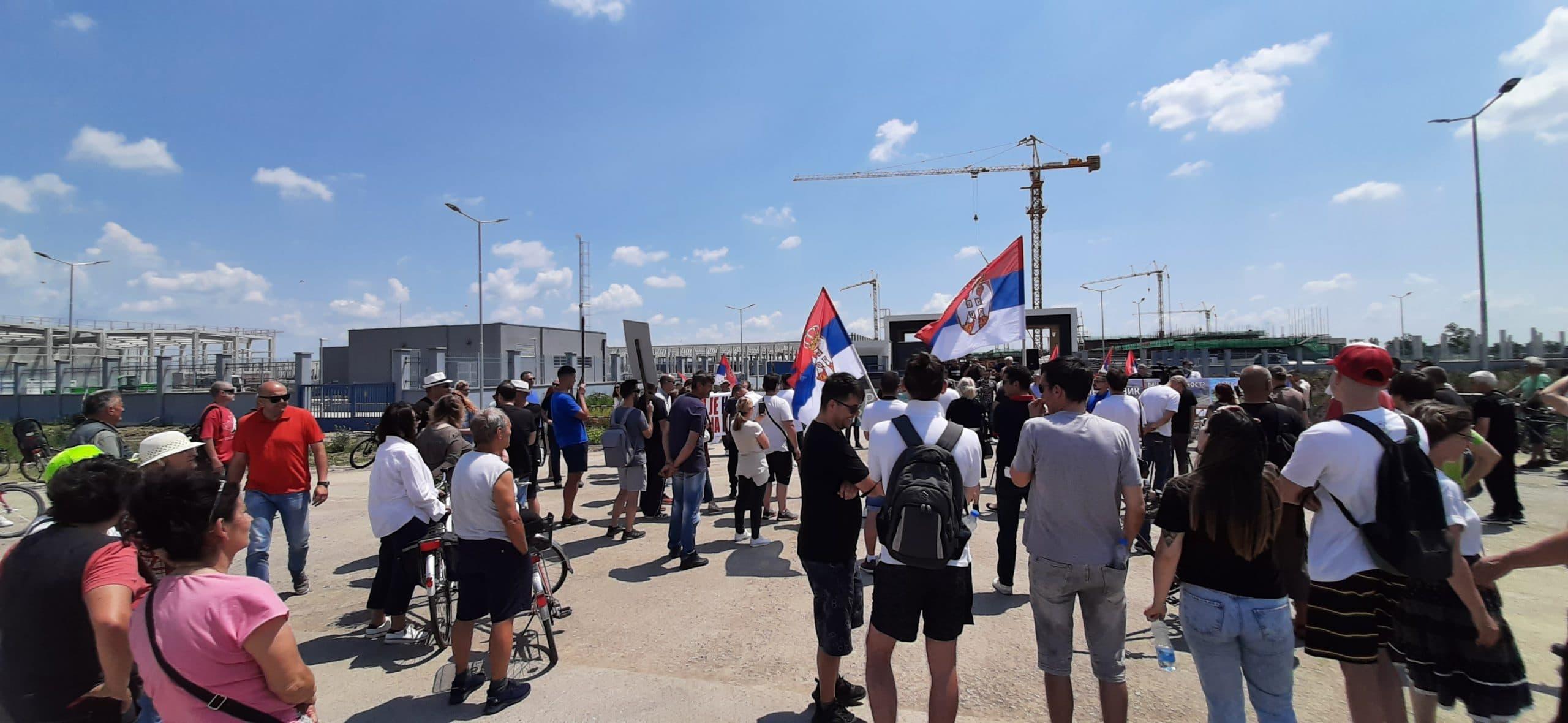 Zrenjanin: Veliki protest ispred Linglonga, protestanti traže poštovanje zakona i očuvanje životne sredine 2