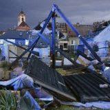 Tornado u Češkoj odneo četiri života i oštetio 2.000 kuća 13