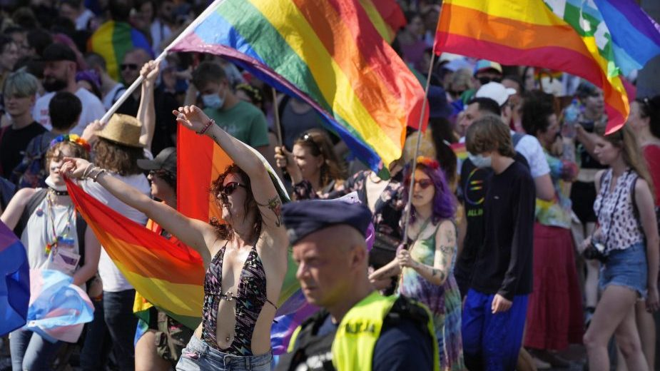 "Hiljade ljudi u Varšavi na ""Paradi ponosa"" (FOTO) 1"