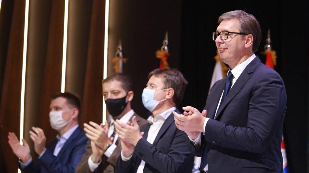 """Može li neko """"iz sistema"""" da zameni predsednika Vučića? 1"""