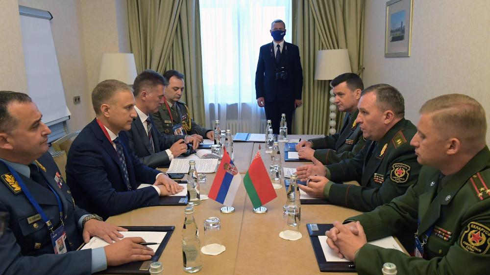Stefanović razgovarao u Moskvi sa ministrom odbrane Belorusije o saradnji 16