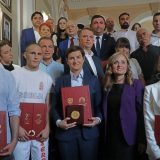 Predsednici Vlade Srbije uručena Vidovdanska nagrada 10