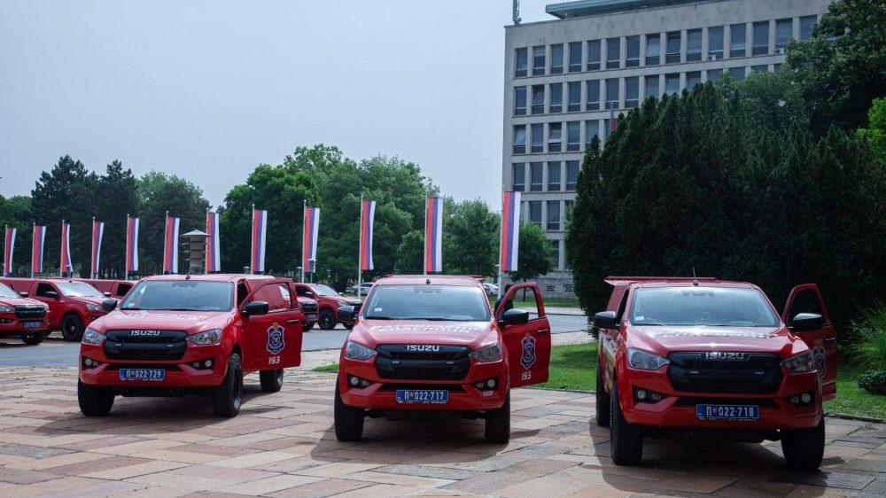 EU obezbedila 27 vozila za gašenje šumskih požara 16