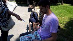 Novinari i urednici Danasa delili rođendanski broj na ulicama više gradova (FOTO) 19