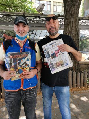 Novinari i urednici Danasa delili rođendanski broj na ulicama više gradova (FOTO) 11