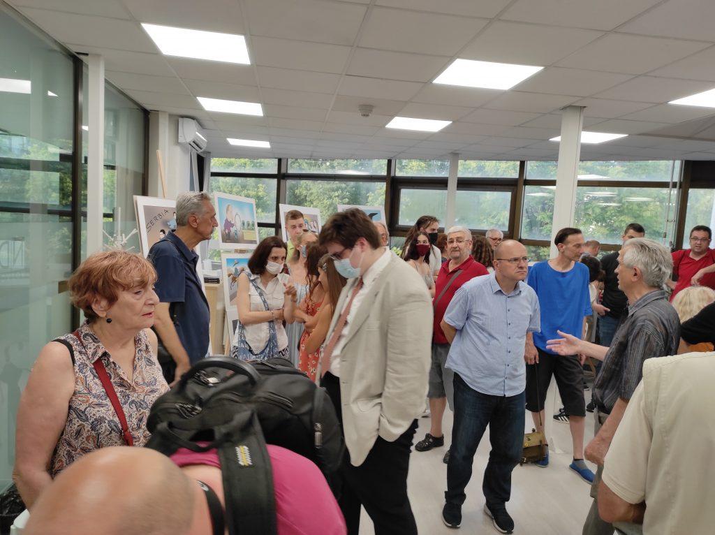 """Koraksova izložba """"Paralelna stvarnost"""" u Novom Sadu: Precizna hronika bešćašća 3"""