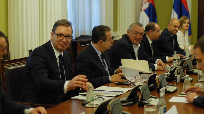 Vučić sa delom opozicije na sastanku Radne grupe za međupartijski dijalog o Kosovu 1