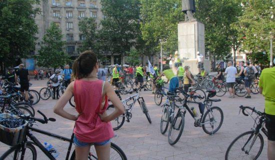 """Sutra u Beogradu """"Pešačka nedelja"""" i """"Biciklijada"""" 22"""