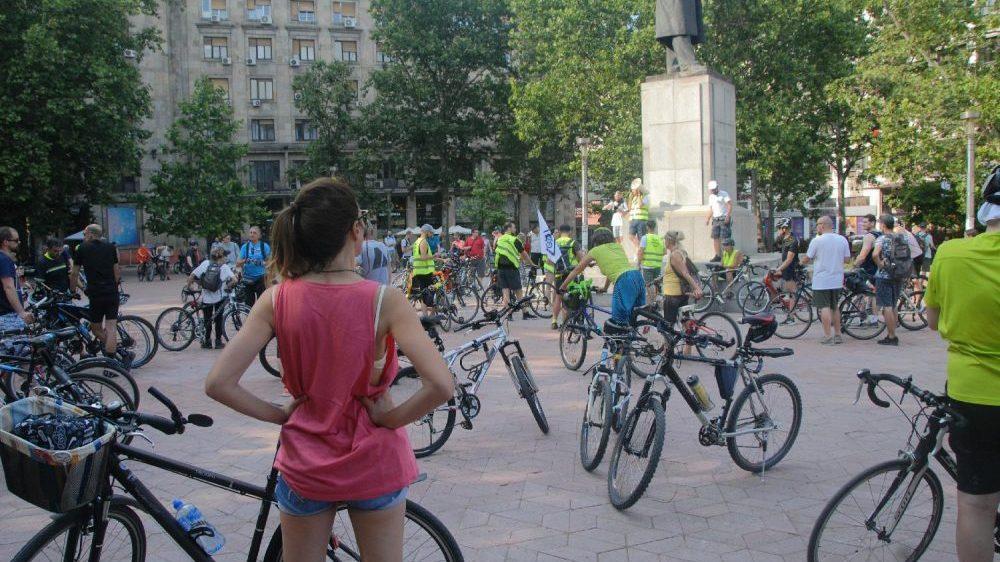 Popodne mesečna biciklistička vožnja u Beogradu, ovog puta protiv seče platana 22