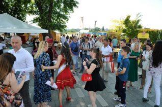 """Otvoren treći """"Good food and wine"""" festival na Sava promenadi (FOTO) 2"""