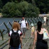 Vojska Srbije postavila pontonski most do plaže Lido 11