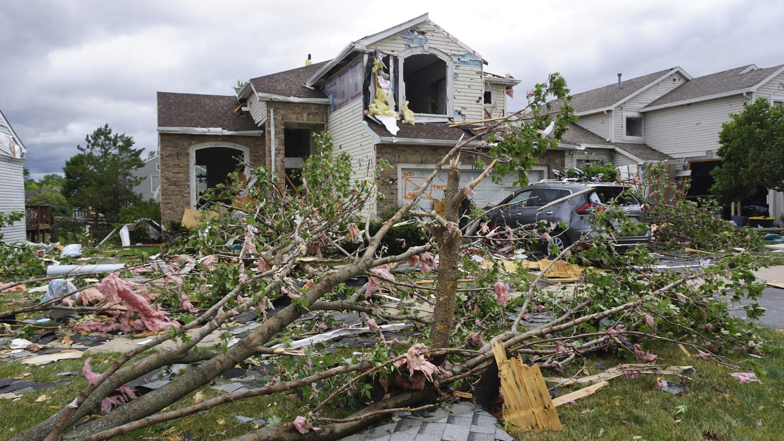 Tornado pregazio predgrađe Čikaga 1