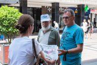 Novinari i urednici Danasa delili rođendanski broj na ulicama više gradova (FOTO) 3