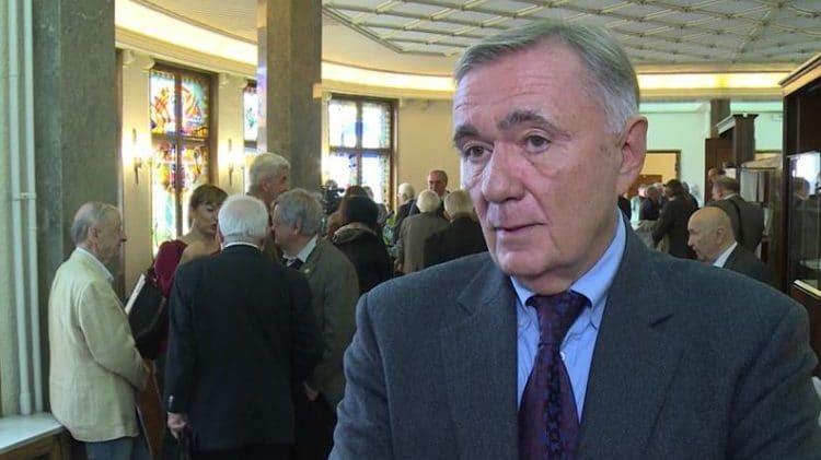 Dušan Kovačević: Ako bi neko potpisao nezavisnost Kosova morao bi na plastičnu operaciju 1