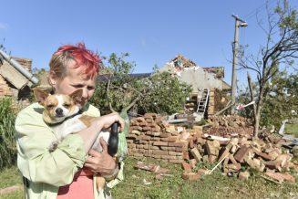 U tornadu u Češkoj poginulo petoro ljudi a 600 kuća čeka obnova od temelja (FOTO) 2