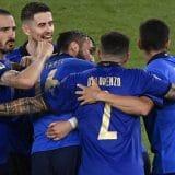Italija u osmini finala Evropskog prvenstva, Lokateli dvostruki strelac 15