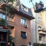Zbog dehidracije prilikom gašenja požara u Beogradu dva vatrogasca u bolnici (FOTO) 1