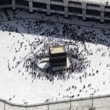 Saudijska Arabija zbog korone ograničila hodočašće u Meku na 60.000 vernika 10