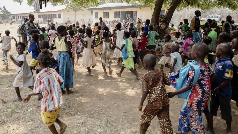 Oko 8.500 raseljenih proterano iz improvizovanog kampa u Centralnoafričkoj Republici 14