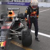 Prekinuta trka Formule 1 u Azerbejdžanu 3