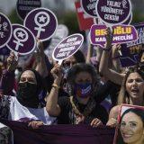 Više od 1.000 žena demonstriralo u Istanbulu protiv povlačenja Turske iz Istanbulske konvencije 13