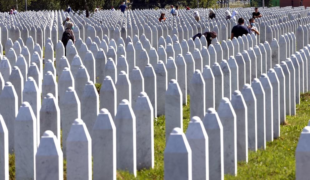Britanska zvaničnica u Srebrenici: Desio se genocid, negiranje ugrožava mir 1