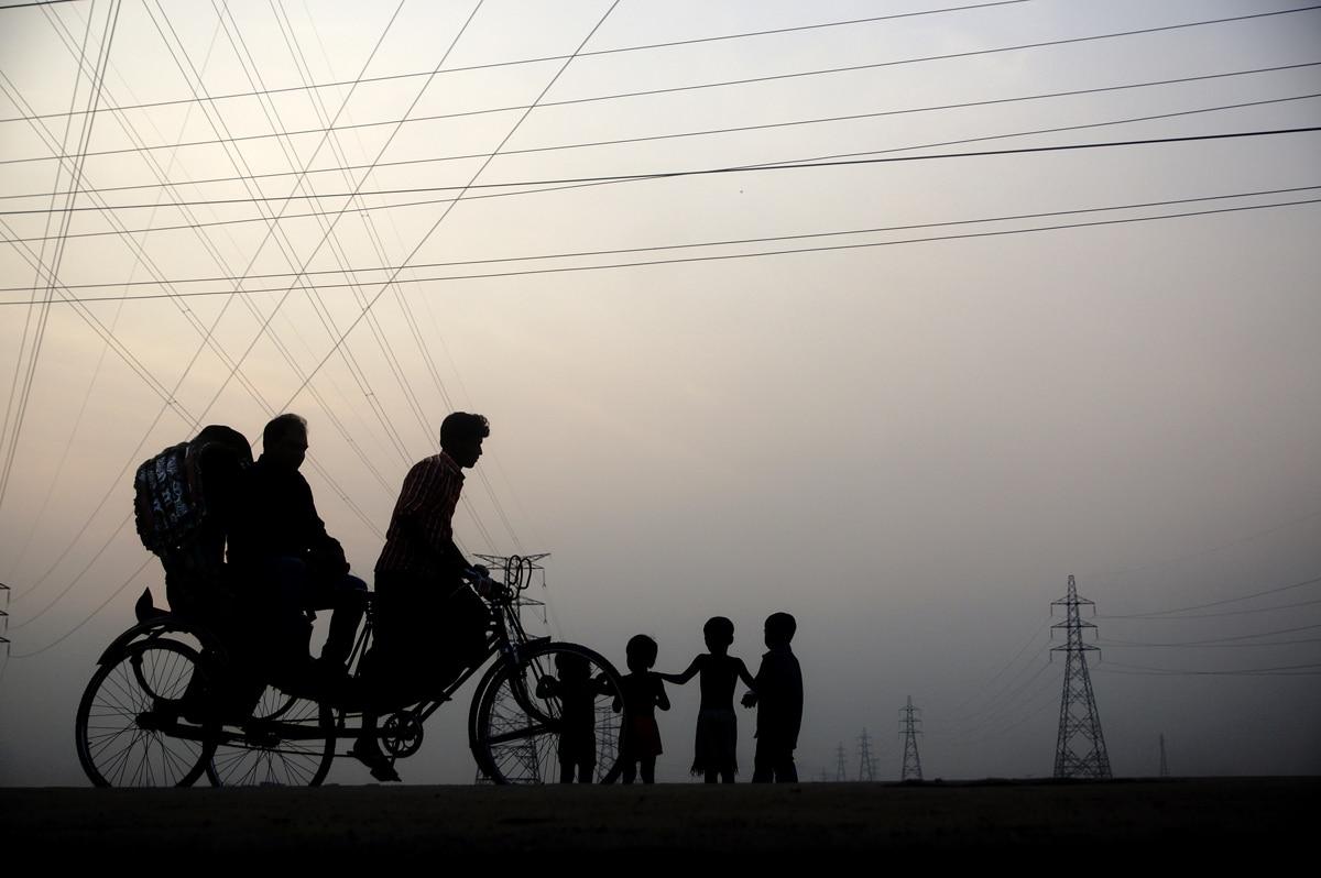 Children playingon the outskirts of Dhaka