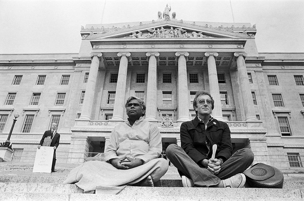 Peter Sellers and Swami Vishnudevananda on a Peace Mission in Belfast, September 1971.