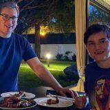 Vučić: Prvi put kod Ane na večeri, krilca su super 4
