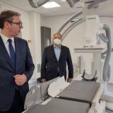 Vučić najavio dodatne mašine i opremu za medicinske ustanove do kraja godine 1
