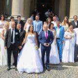 Kolektivno venčanje održano ispred Starog dvora, venčalo se 30-ak parova 3