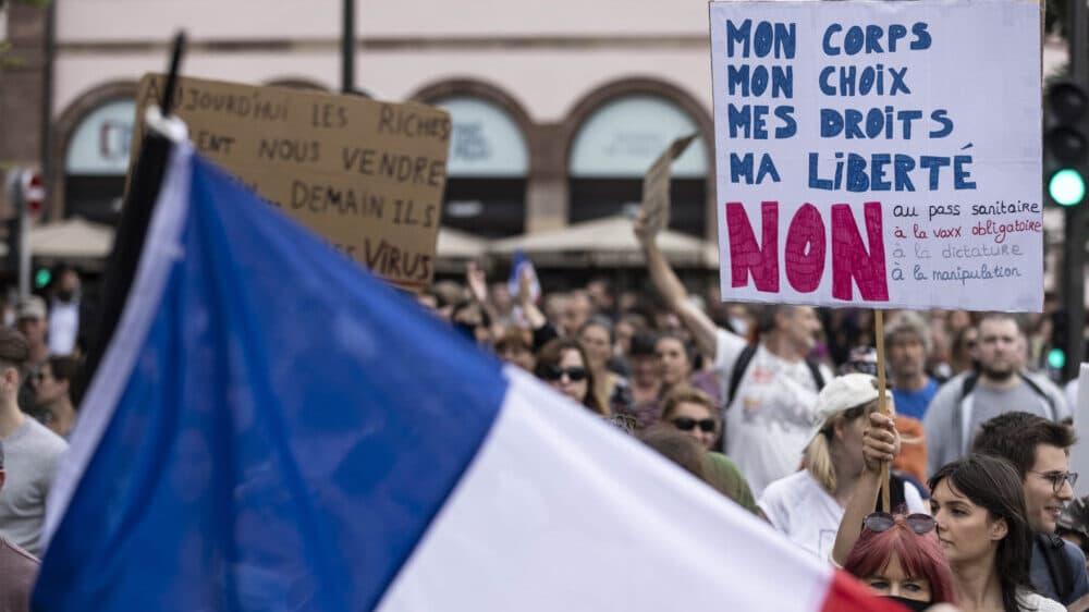 Protesti širom Francuske zbog kovid propusnica i obavezne vakcinacije zdravstvenih radnika 1