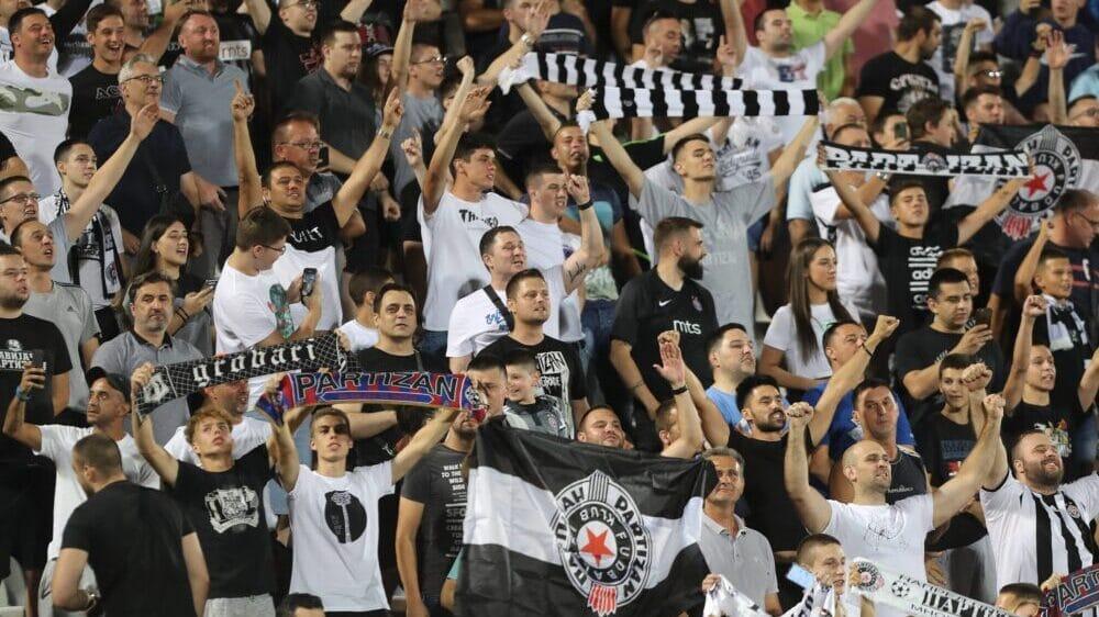 Navijači na utakmici Vojvodina-Partizan ponovo skandirali protiv Vučića 1