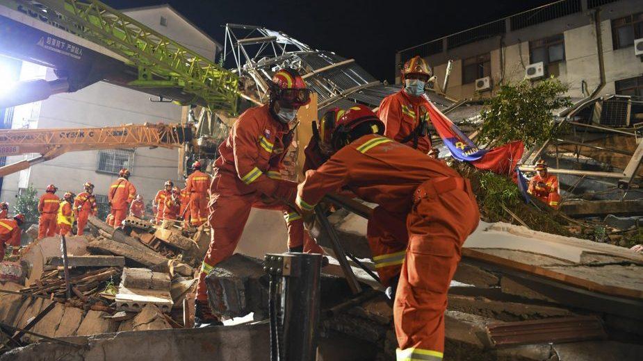 Najmanje osam ljudi poginulo u urušavanju hotela na istoku Kine 1