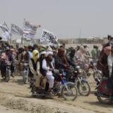 Avganistanski vojnici beže u Pakistan, Vlada Avganistana demantuje 2