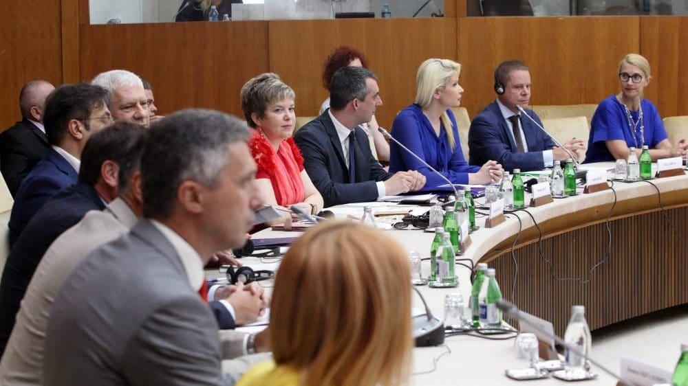 Deo proevropske opozicije treba da odluči o odlasku na drugu rundu 1