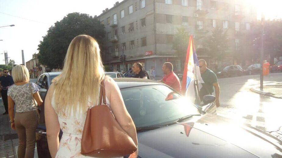 """""""Levijatan"""" pokušao da prekine skup Marinike Tepić u Kragujevcu (FOTO/VIDEO) 2"""