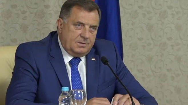 Dodik: Najbolje da se BiH raziđe na tri nezavisne države 1